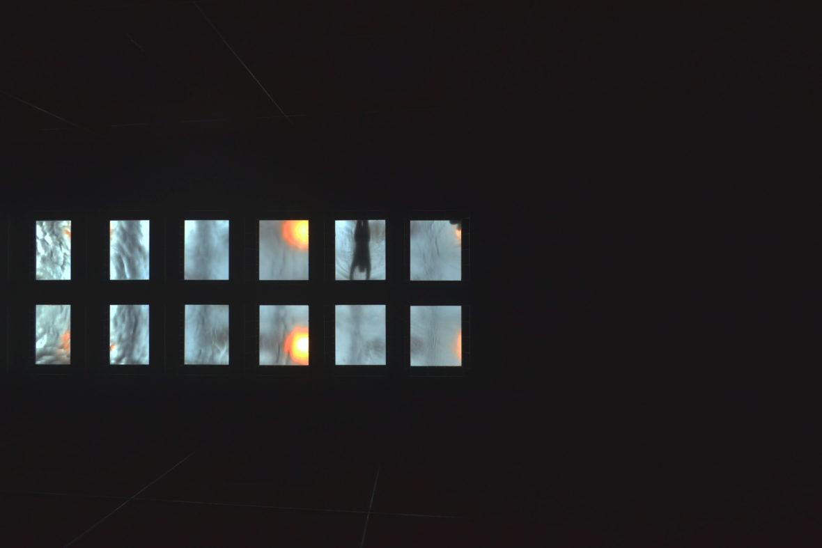 Fenêtres aquatiques, une carte psotale de Louise Canguilhem pour L'Escamoteur